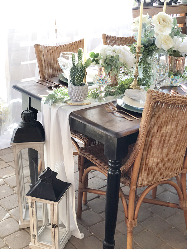 styled table with lamps